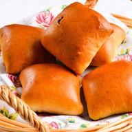 Пирожок с картофелем Фото