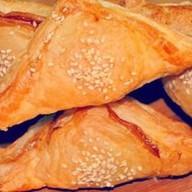 Пирожок с семгой (слоеный) Фото