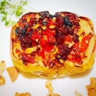 Запеченное яблоко с орехами,сухофруктами Фото