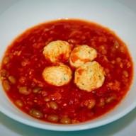 Томатный суп с фасолью и фрикадельками Фото