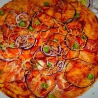 Пицца с запеченными овощами Фото