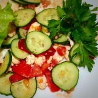Хрустящий салат из свежих овощей Фото