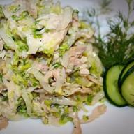 Салат из курицы и свежей капусты Фото