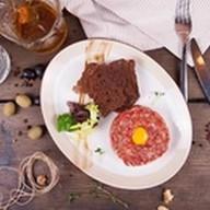 Тар-тар из говядины с соусом из горчицы Фото