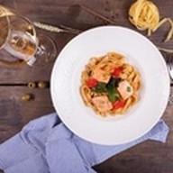 Феттучини с лососем и сладким соусом Фото