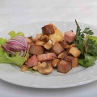 Тёплый салат Сытный Фото