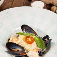 Папарделле с морепродуктами Фото