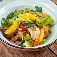 Тайский салат с теплой телятиной Фото