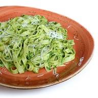 Паста со шпинатом и соусом песто Фото