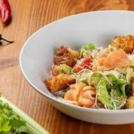 Цезарь со слабосоленым лососем салат Фото
