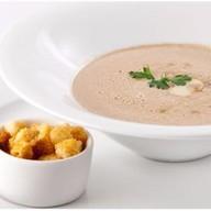 Суп-крем из шампиньонов с гренками Фото