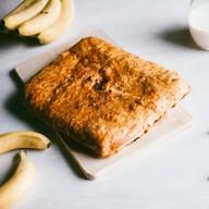 Пирог с бананом слоеный Фото