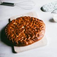 Пирог с вишней дрожжевой Фото