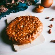 Пирог с курагой дрожжевой Фото