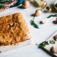 Пирог с курицей слоеный Фото