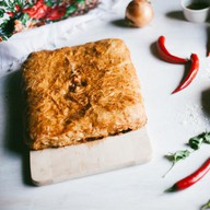 Пирог с семгой слоеный Фото