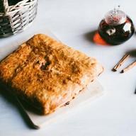 Пирог с яблоками слоеный Фото