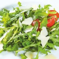 Салат-микс с томатами черри Фото