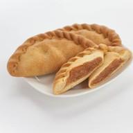 Пирожок с яблоками и лимоном Фото