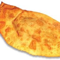 Чебурек с кинзой и сыром Фото