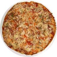 Пицца с курицей Фото