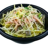 Спагетти с ветчиной и грибами Фото