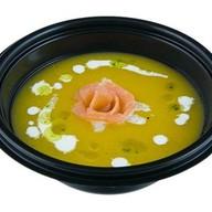 Суп-крем с копченым лососем Фото