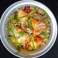 Рис чесночный с лососем Фото
