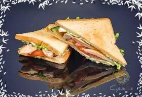 Сэндвич с обжаренной курочкой - Фото