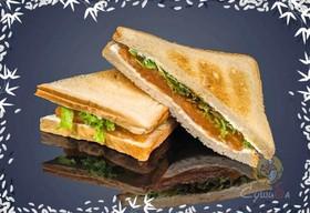 Сэндвич с слабосоленым лососем - Фото