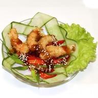 Тигровые креветки в кляре с овощами и со Фото