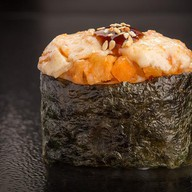 Запечённые суши с креветкой Фото