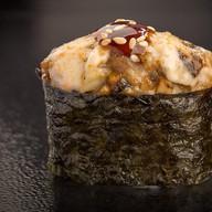 Запечённые суши с угрём Фото