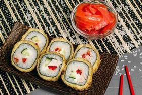 Ролл с лососем (в кляре) - Фото