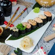 Спайси суши с угрем Фото