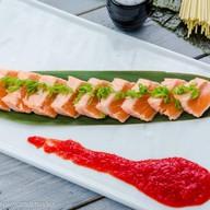 Ошпареный лосось в спайси соусе Фото