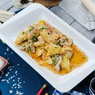 Цыпленок с тофу в соусе сладкий чили Фото
