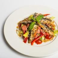 Японский салат с угрем Фото