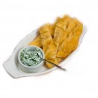 Лепешка с сыром и свежей зеленью Фото