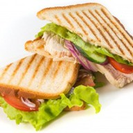 Сэндвич клаб с курой Фото