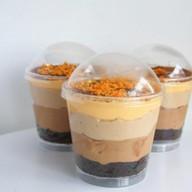 Трайфлы с шоколадным бисквитом Фото
