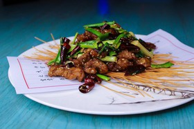 Филе телятины во фритюре с кунжутом - Фото