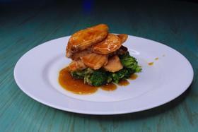 Сёмга в соусе терияки с брокколи - Фото