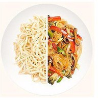 Домашняя лапша с мясом и овощами Фото