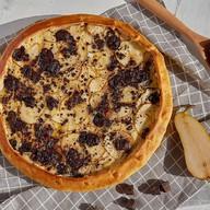Пирог с грушей и шоколадом Фото