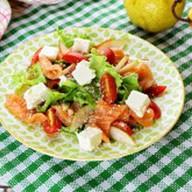 Салат с семгой, грушей и сыром фета Фото