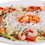 Салат с лососем и креветками Фото