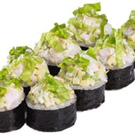 Ролл с креветками и авокадо Фото
