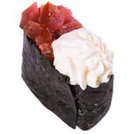 Суши с тунцом и сливочным сыром Фото
