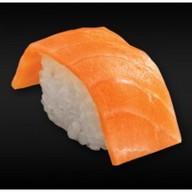Нигири с лососем Фото